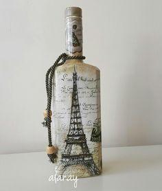 Liquor Bottle Crafts, Diy Bottle, Liquor Bottles, Bottles And Jars, Bottle Art, Glass Bottles, Mason Jars, Decoupage Art, Arts And Crafts