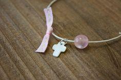 Μαρτυρικά 50τεμ MRC-002  Χειροποίητα μαρτυρικά βραχιολάκια με σταυρό από φίλντισι, ροζ χάντρα και ροζ φιογκάκι, σε έναν αρμονικό συνδυασμό με λευκό κορδόνι. Drop Earrings, Jewelry, Fashion, Jewellery Making, Moda, Jewels, Fashion Styles, Jewlery, Jewerly