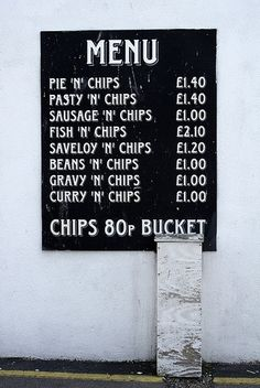 Anything goes w/ Chips in Britain!Traditionally chips are cut thick… British Seaside, British Isles, Fish And Chips, Fish And Chip Shop, Places In England, Best Of British, Food Industry, England Uk, A 17