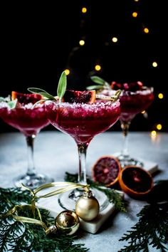 Party Drinks, Cocktail Drinks, Fun Drinks, Yummy Drinks, Cocktail Recipes, Alcoholic Drinks, Beverages, Margarita Recipes, Christmas Cocktails