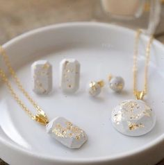 How to Make Concrete Jewelry and more DIY Gift Ideas #jewelrymaking