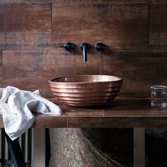 Perfect for adding an industrial look in the bathroom, these extra-large metallic wall tiles make an eye-catching backdrop for the handcrafted basin. Copper Bathroom, Diy Bathroom, Bathroom Basin, Modern Bathroom Decor, Bathroom Trends, Rustic Bathrooms, Bathroom Interior, Bathroom Ideas, Bathroom Mirrors