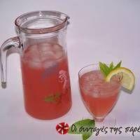 Ροζ λεμονάδα Smoothie Drinks, Smoothies, Cocktail Drinks, Cocktails, Strawberry Lemonade, Milkshake, Food And Drink, Alcohol, Cooking Recipes