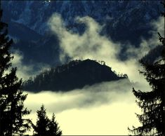 Centauri Hajnal a völgyben Clouds, Celestial, Outdoor, Outdoors, Outdoor Living, Garden, Cloud