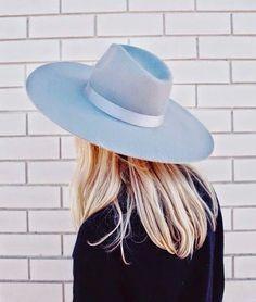 Find the perfect Fall hat on ShopStyle! Estilo Fashion, Ideias Fashion, Estilo Glamour, Photo Portrait, Love Hat, Felt Hat, Bad Hair Day, Mode Style, Trends