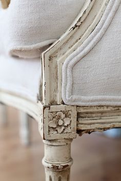 dreamy whites, I think my chairs might be able to be finished like this and look so cute!