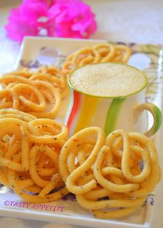 This Scrumptious South Indian Snack is Given out During Festivals and Is Especially Popular With Kids! This Scrumptious South Indian Snack is Given out During Festiva. Dry Snacks, Savory Snacks, Healthy Snacks, Snack Recipes, Cooking Recipes, Cooking Tips, Vegan Snacks, Sin Gluten, Diwali Snacks