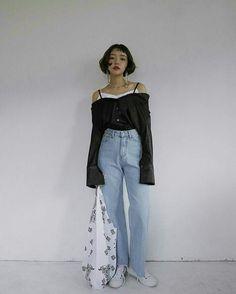 Stylenanda Korea, Autumn Winter Fashion, Fall Winter, We Wear, How To Wear, Mom Jeans, Normcore, Pants, White Rice