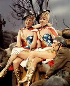 Vicki Lawrence & Carol Burnett in The Carol Burnett Show (1967-78, CBS)