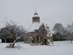 The Abbot's kitchen disappears little by little under the important falls of snows of the Somerset. A new way to see the Abbot's kitchen. Visit our website www.glastonburyabbey.com. Glastonbury Abbey, Somerset, Conservation, Snow, Website, Architecture, Kitchen, Outdoor, Cooking