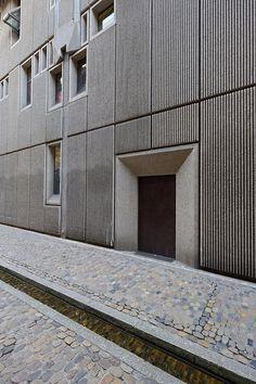 Freiburg, May Precast Concrete Panels, Concrete Facade, Stone Facade, Concrete Architecture, Stone Cladding, Brick Facade, Facade House, Architecture Details, Interior Architecture