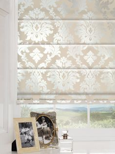 Beautiful classic cream and Ivory Roman Blinds, for me these scream class, well they would but the clearly have better breeding! http://www.martinsblindsandawnings.co.uk/blinds-northampton/roman-blinds/
