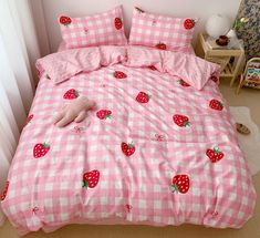 Sweet Plaid Strawberry Bedding Set Notice: The bedding set has a duvet cover with no filling,a bed sheet and pillowcase ●Size:tips the size of the quilt to choose the bedding set. Bed sheet Quiltcover Pillowcase Bed s My New Room, My Room, Dorm Room, Cute Room Ideas, Cute Room Decor, Dream Rooms, Dream Bedroom, Room Ideas Bedroom, Bedroom Decor