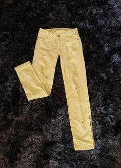 Kup mój przedmiot na #vintedpl http://www.vinted.pl/damska-odziez/rurki/15112962-zolte-rurki-jeansy-z-dziurami-xxs-32-stradivarius