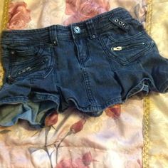 Black Denim Skirt Black denim skirt, fits sizes 4-6 used like new, barely worn ....(The more you buy, the more I lower my prices so bundle & save!!) Skirts