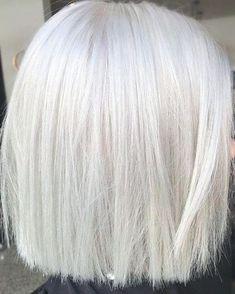 White Blonde Bob, Short White Hair, Silver White Hair, Silver Blonde Hair, Light Blonde, White Hair With Lowlights, Short Platinum Blonde Hair, Low Lights Hair, Long Hair Cuts