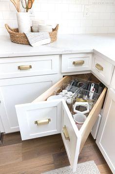 A super smart solution for using the corner space in a kitchen - kitchen corner drawers! Small Kitchen Storage, Kitchen Cabinet Organization, New Kitchen Cabinets, Organization Ideas, Storage Ideas, Storage Design, Cabinet Ideas, Kitchen Small, Smart Kitchen