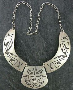 Native American jewelry has been very popular for generations and some of the most popular is Native American silver jewelry. The Navajo Indians are thought to be the first Natives to learn the art of being silversmiths.