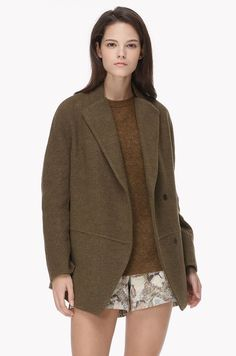 Point collar wool jacket