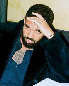 Drake seen Kissing and Fondling a girl during Concert (Video) Aubrey Drake, Drake And Josh, Drake Video, Drake Clothing, Rihanna And Drake, Drake Wallpapers, Drake Drizzy, Drake Graham, Mens Fur