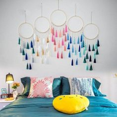 room diy hanging Flawless Stunning DIY Hanging Decoration Ideas For Bedroom You Must Try Your bedroom is a sacred space. This is a room where you can rest and rejuvenate yourself. Making a comfortable and orderly space is important. Diy Room Decor, Bedroom Decor, Home Decor, Bedroom Colors, Diy Tapete, Diy Wallpaper, Bedroom Wallpaper, Trendy Wallpaper, Ideias Diy
