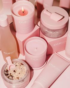 Kylie Jenner, Girly Phone Cases, Rose Bath, Kylie Cosmetic, Beauty Kit, Aesthetic Beauty, Face Skin Care, Makeup Cosmetics, Perfume