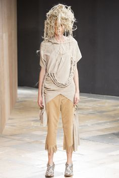 You couldnt pay me enough to wear this...WOW Junya Watanabe Spring 2014 – Vogue