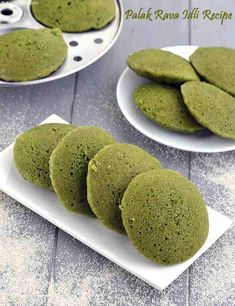 What is a healthier option to Palak Rava Idli? We suggest having dal and vegetable idli which is made from ZERO rice. Healthy Indian Recipes, Indian Snacks, Vegetarian Recipes, Indian Foods, Healthy Dishes, Healthy Snacks, Healthy Eating, Breakfast Recipes, Snack Recipes