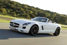 Mercedes-Benz lanza un nuevo coche de ensueño, el SLS AMG Roadster: http://www.kmph.es/mercedes-benz-lanza-un-nuevo-coche-de-ensueno-el-sls-amg-roadster/….