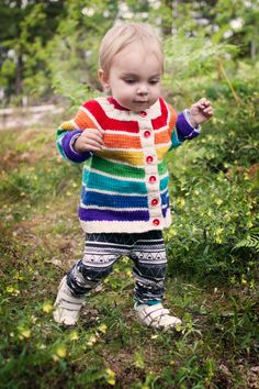 Clara Stickar: Rainbow cardigan