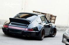 topvehicles:  Black Porsche 911