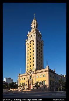 Freedom Tower, Miami, Florida, EUA.