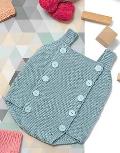 Knitted Baby Romper Made With Garter Sti - Diy Crafts - Marecipe Baby Girl Patterns, Baby Knitting Patterns, Baby Romper Pattern Free, Laine Katia, Tricot Baby, Baby Pullover, Knitting For Kids, Baby Sweaters, Baby Dress