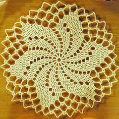 Post no blog com o gráfico dessa toalhinha linda. Link do blog no perfil. #postnoblog #toalhinha #crochet