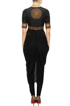 TISHA SAKSENA Black embroidered drape set available only at Pernia's Pop-Up Shop.