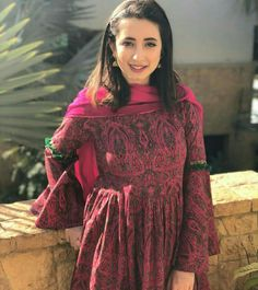 Komal Aziz khan Stylish Dresses, Simple Dresses, Pretty Dresses, Fashion Dresses, Pakistani Models, Pakistani Outfits, Indian Party Wear, Indian Wear, Pakistani Dress Design