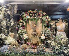 Corpus Christi, Window Displays, Floral Wreath, Wreaths, Home Decor, Orange Blossom, Shop Displays, Seasons, White People
