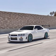Nissan R34, Japan Cars, Jdm Cars, Dream Cars, Infinity, Skyline, Animation Reference, Photo And Video, Cream