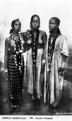 """Africa Orientale - Donne Abissine""   Vintage postcard.  Publisher; Foto A.Comini / Fotostampa A.Traldi,Milano.  No 205"