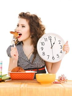 Intermittent fasting for weight loss is all the rage. Here is exactly how to get started losing weight with intermittent fasting -- a comprehensive guide! Fast Weight Loss, Healthy Weight Loss, Lose Weight, Healthy Meals For Two, Healthy Snacks, Paleo Protein Powder, Paleo Mom, Paleo Diet, Diets That Work