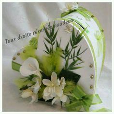 Urne coeur  de mariage zen Wedding Bouquets, Wedding Flowers, Wedding Decorations, Table Decorations, Card Box Wedding, Traditional Wedding, Wedding Accessories, Decoupage, Arums