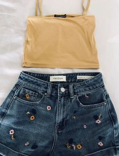 trendy outfits, summer outfits, perfect look. outfits casual 50 + Cute And Trendy Summer Outfits To Make you cool and Perfect - Page 8 of 54 - SooPush Grunge Style Outfits, Casual Outfits, Lazy Outfits, Simple Outfits, Boho Outfits, Mode Hippie, Mode Jeans, Trend Fashion, Fashion Fashion