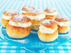 Once a year the Swedes have Semlor - Special cardemon buns filled with whipped cream and almond paste. Swedish Recipes, Sweet Recipes, Lollipop Candy, Scandinavian Food, Almond Paste, Candy Cookies, Bread Baking, Cheesecake, Bakken