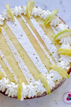 Torta in padella allo yogurt e limone Yogurt, Biscotti, Vanilla Cake, Camembert Cheese, Bakery, Food And Drink, Cooking, Sweet, Desserts