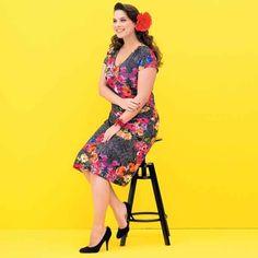 Als je zelf handig bent met de naaimachine is dit misschien een leuke jurk; jurk in stijl van Caro Emerald.