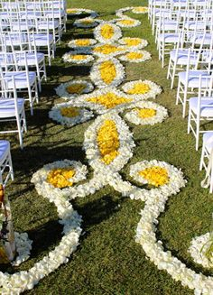 Events by Show Stoppers, Rose Petal Carpet, Different ways to use flowers in…