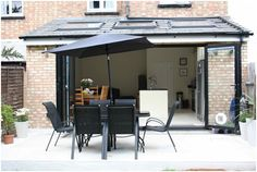 Simply Extend looks at the pros and cons of opting for a flat or pitched roof for your London home extension.
