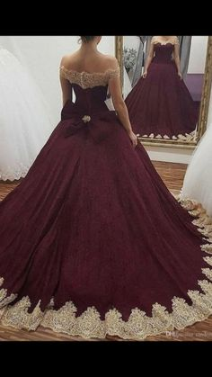 Burgundy Off the Shoulder Ball Gown Quinceanera Dresses 2018 Gold Lace Appliqued Sweet 16 Prom Dresses Back With Bowknot