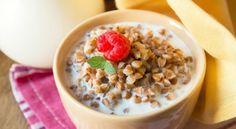 Молочная гречневая каша — идеальный завтрак со всех точек зрения: она дарит заряд бодрости, крепкое ...