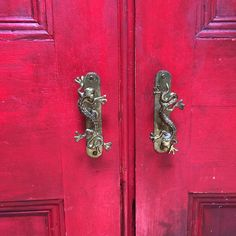 Annie Sloan's own cloakroom cupboard doors from her house. Love them..  Emperors's Silk and Primer Red